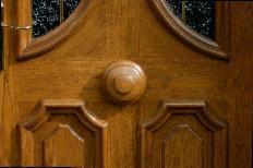 Un joli bouton bois pour porte Aubers