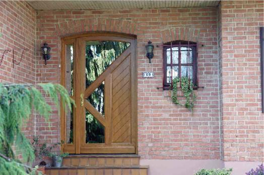 Esthétique cette porte avec tierce et son verre antellio