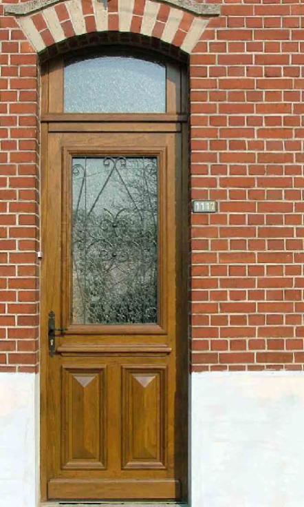 soubassement pointe de diamant pour cette porte posée à Lestrem