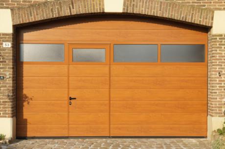 Pose porte garage sectionnelle Lille, décograin chêne doré