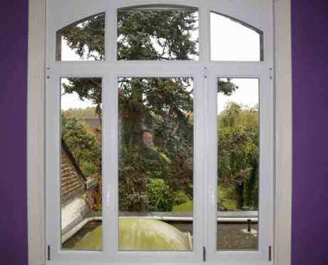 Mons en Baroeul, pose fenêtre avec conservation des ébrasements intérieurs
